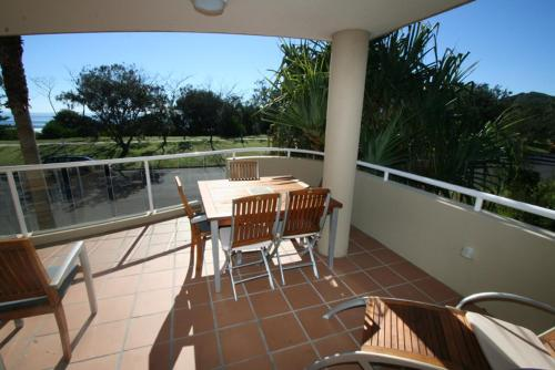 A balcony or terrace at 3/54 Lawson St - The Palms 3