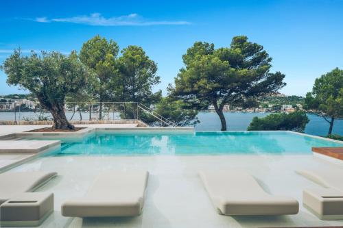 Basen w obiekcie Iberostar Jardín del Sol Suites - Adults Only lub w pobliżu