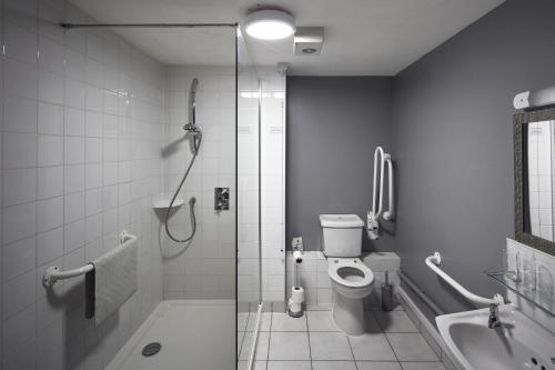A bathroom at The Pyewipe