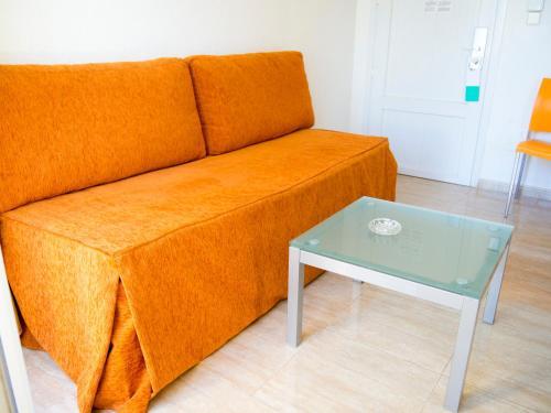 A seating area at Aparthotel Villas La Manga