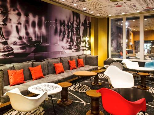 The lounge or bar area at Ibis Sao Paulo Paulista