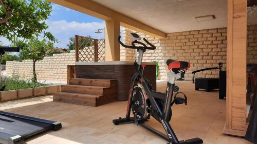 The fitness center and/or fitness facilities at Residence Del Tellaro
