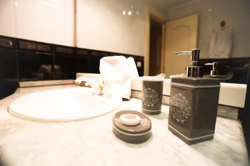 Łazienka w obiekcie Hostal Goya Suites