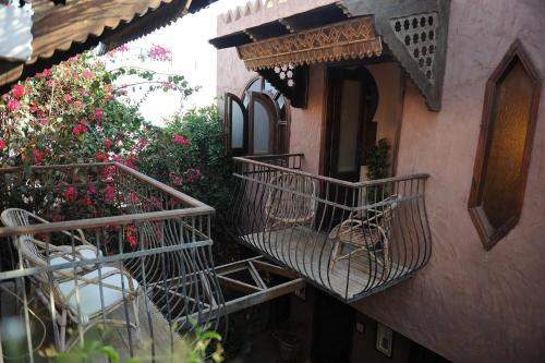 A balcony or terrace at Alf Leila Boutique Hotel