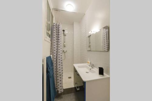 A bathroom at Rivoli