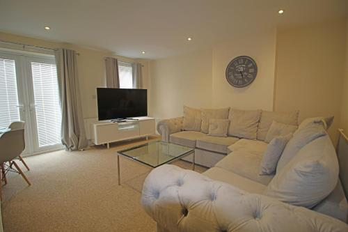 Homes by PSMG - Modern Four Bedroom Town House