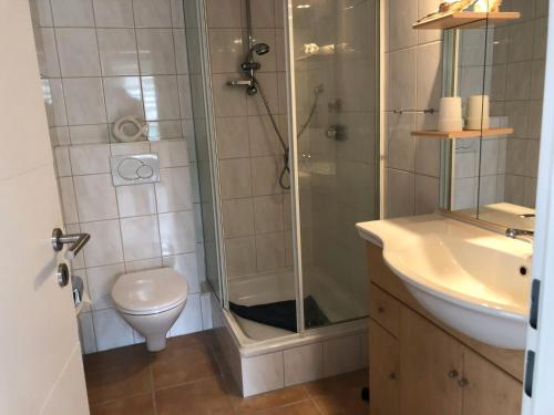 Ein Badezimmer in der Unterkunft Noord Huus Ferienapartment