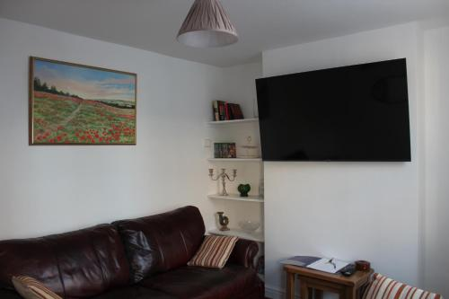 Deal Cottage 5 minutes walk to the beach & Town centre