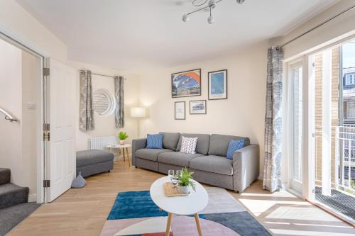 Fantastic City Centre Townhouse - with Parking
