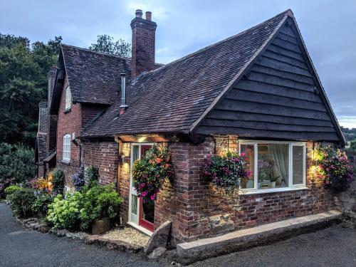 Worralls Grove Guest Farm House