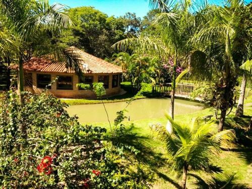 Um jardim em Cep Lago Hotel Ecológico E Pousada