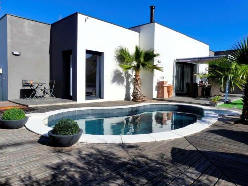 The swimming pool at or close to Vacances plage piscine privée