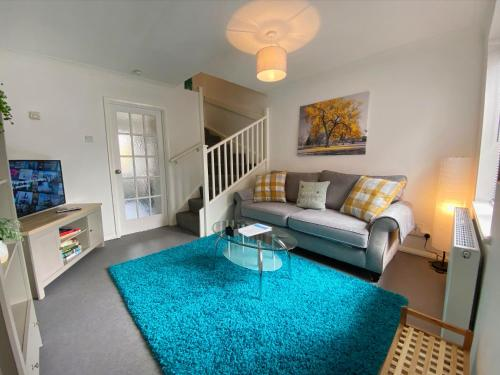 The Grove Extra Cosy 2 Bed Town House Station Location