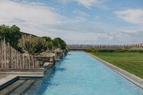 The swimming pool at or close to Santa Barbara Eco-Beach Resort