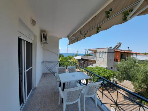 Un balcon sau o terasă la Apocalypsis