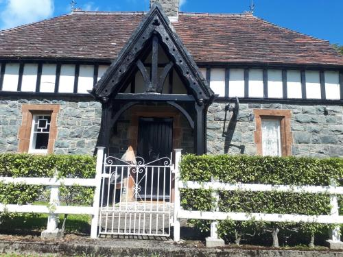White Gate Lodge