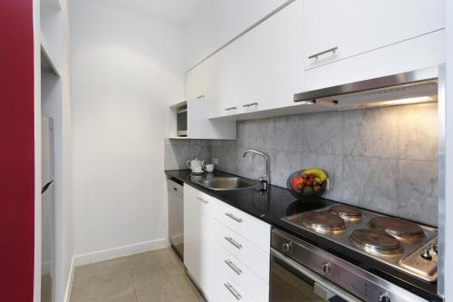 A kitchen or kitchenette at Adara Richmond