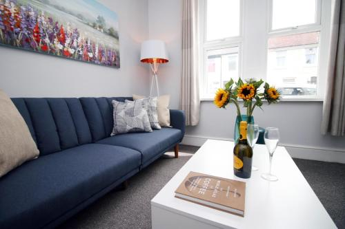 Stylish 2 Bed House close to the Cardiff City Centre-sleeps 6