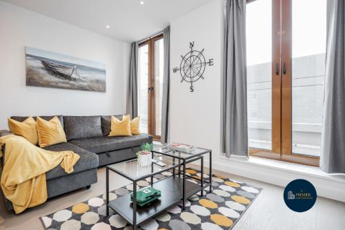 St Albans City Thameslink, Luxury Apartments, GREAT LOCATION, Sleeps up to 6, Free Parking, Free WiFi & Movies, Direct link to London St Pancras, Gatw