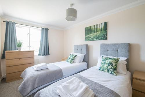 Chelmsford Contractor Accommodation for Contractor Groups in City Centre with 2 Free Parking Spaces and Wifi by Eden Relocations