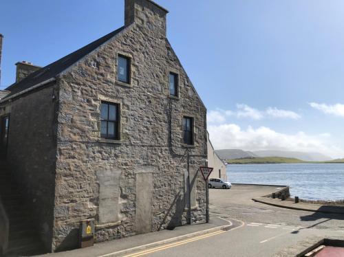 Spacious comfortable flat in Scalloway, Shetland.