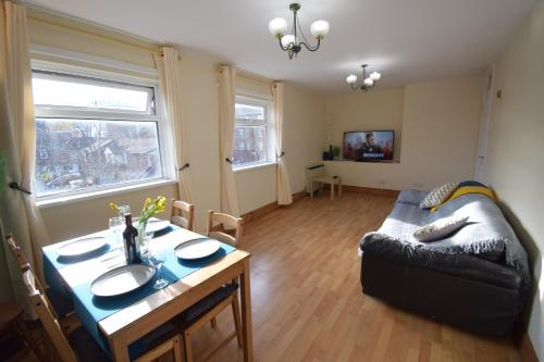 Prime Location Apartment - Newly Refurbished