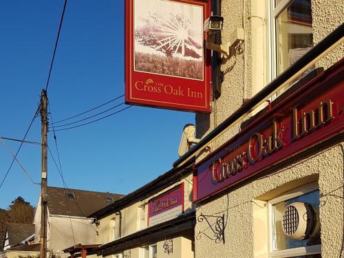 The cross oak inn