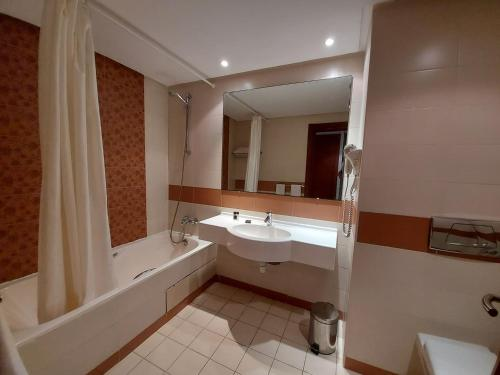 Eden Yasmine Hotel & Spaにあるバスルーム