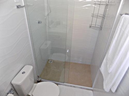 A bathroom at Sorrento Suítes Maragogi a 3 min da Orla