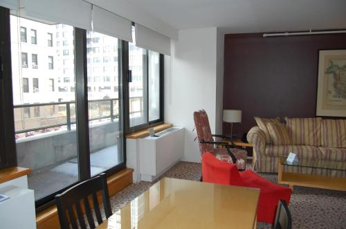 A seating area at The Marmara Manhattan