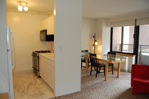 A kitchen or kitchenette at The Marmara Manhattan