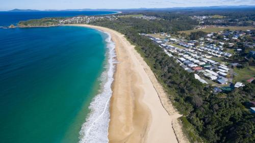 A bird's-eye view of Beachfront by Gateway Lifestyle Holiday Parks