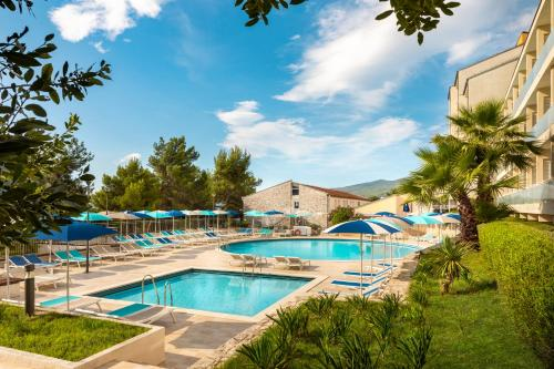The swimming pool at or close to Miramar Sunny Hotel by Valamar
