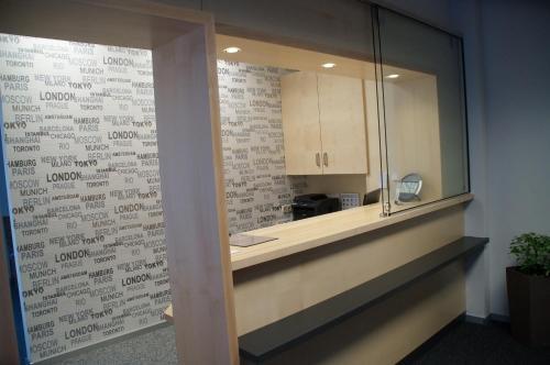A bathroom at Das Falk Apartmenthaus