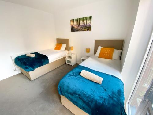 Luxury Campbell Park Apartments in Central MK with Balcony, FREE Parking & Netflix by Yoko Property