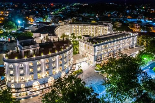 A bird's-eye view of Silk Path Grand Hue Hotel & Spa