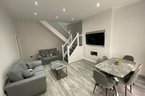 DYSA Waterloo Suite 2