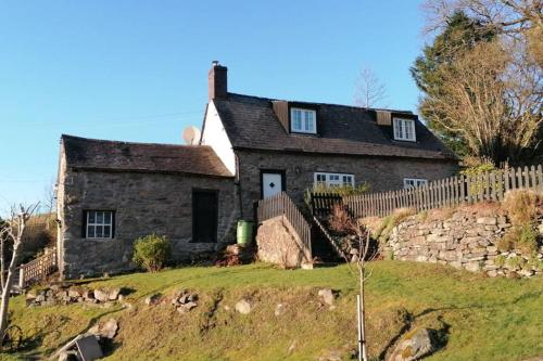Beautiful country cottage with log burner
