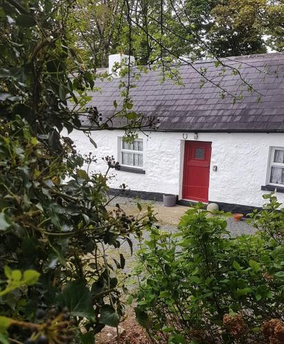 Tosses - The Traditional Irish Cottage