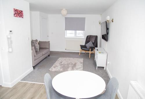 Willoughby House Close to Beeston High Street, QMC Hospital & University of Nottingham