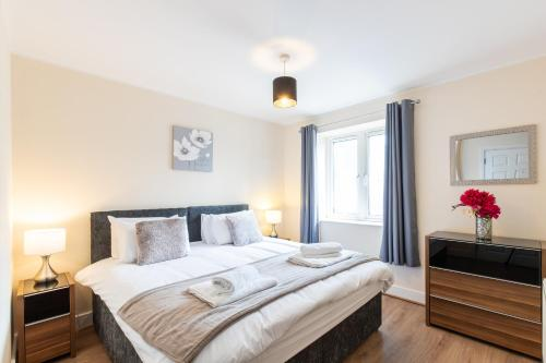 1-bedroom apartment with balcony, Hoddesdon