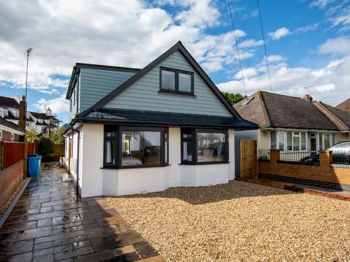 'Sea Breeze' Dorset dream holiday home