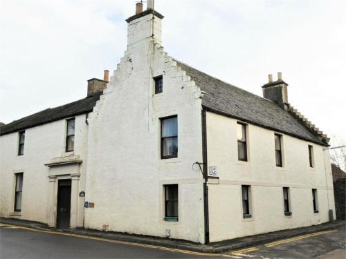 Cameron House - spacious B listed building, near Falkland, Central East Scotland