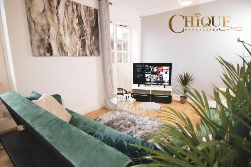 Chique Properties 5* Business accommodation