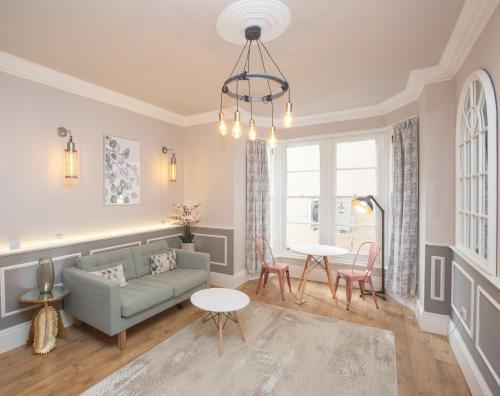 New Alma Apartment In Perfect Location- Alma 2