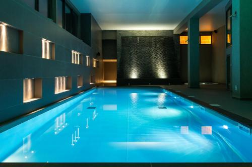 The swimming pool at or close to Heliopic Hotel & Spa
