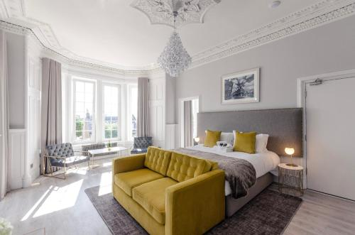 Sweeney Apartments & Rooms