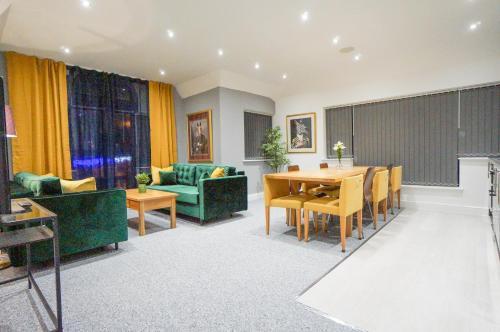 AAA STAY Premium Apartment