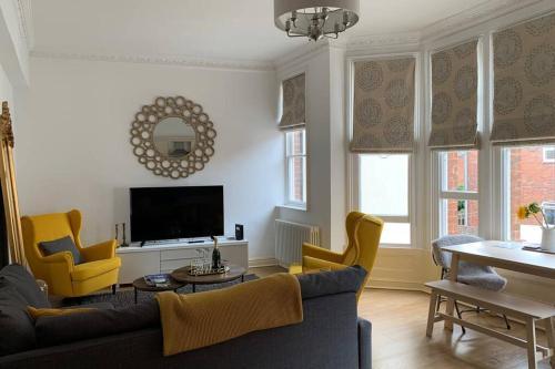 Contemporary Apartment Near Gloucester Quays&Docks