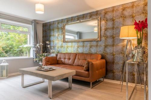 Stunning flat, stones-throw from city centre